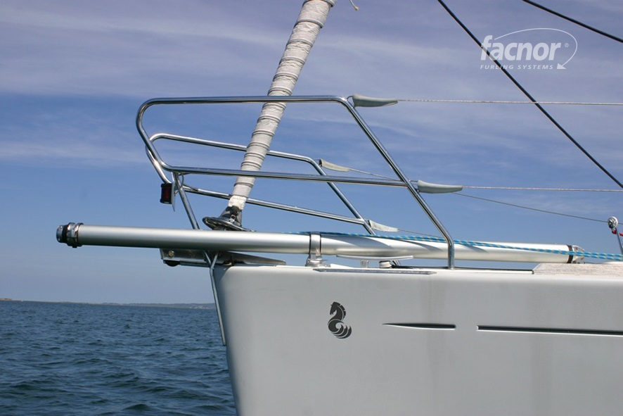 F-BS_Facnor Bowsprit In Use_001.jpg