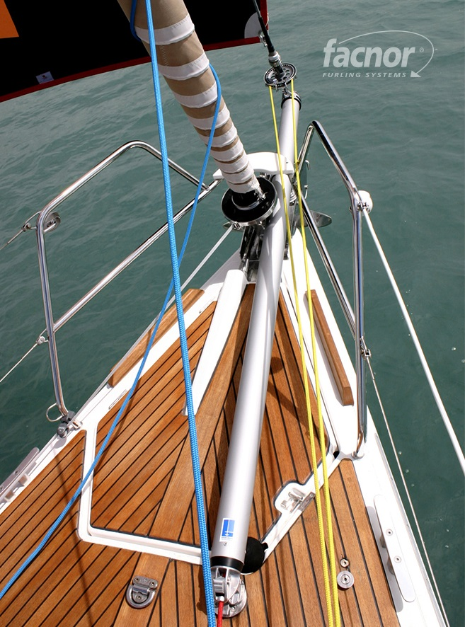 F-BS_Facnor Bowsprit In Use_003.jpg